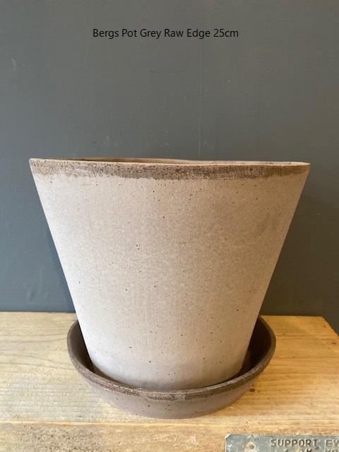 Bergs-Pot-Grey-Raw-Edge-25cm.jpg